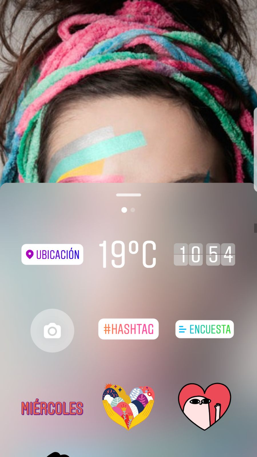 Sticker de encuesta en Instagram Stories